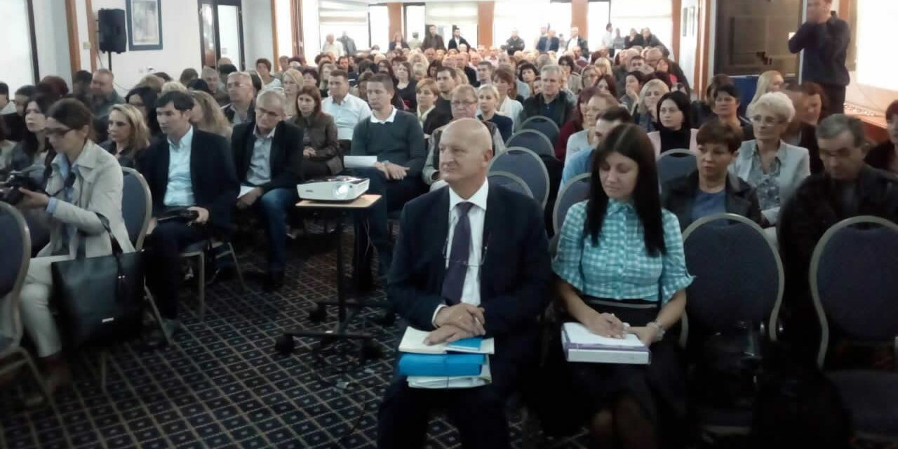 У организацији Републичког одбора Синдиката одржан семинар поводом Закона о запосленима у јавним службама